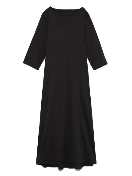 オープンバックカットドレス