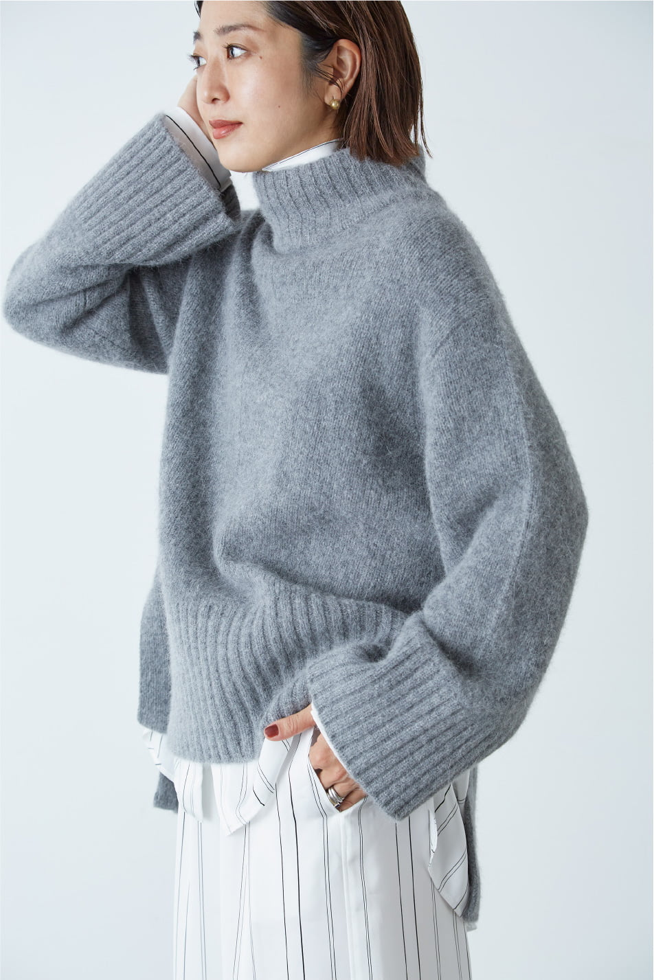 Wool Angora High Neck Knit: Casual Style