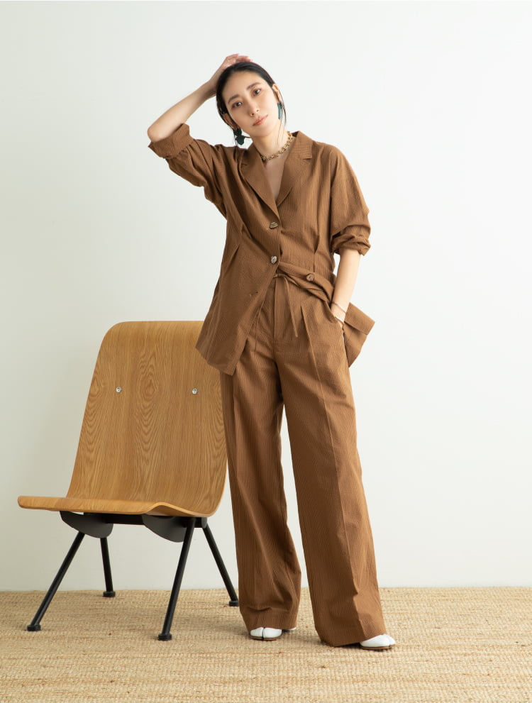 Wardrobe 01.